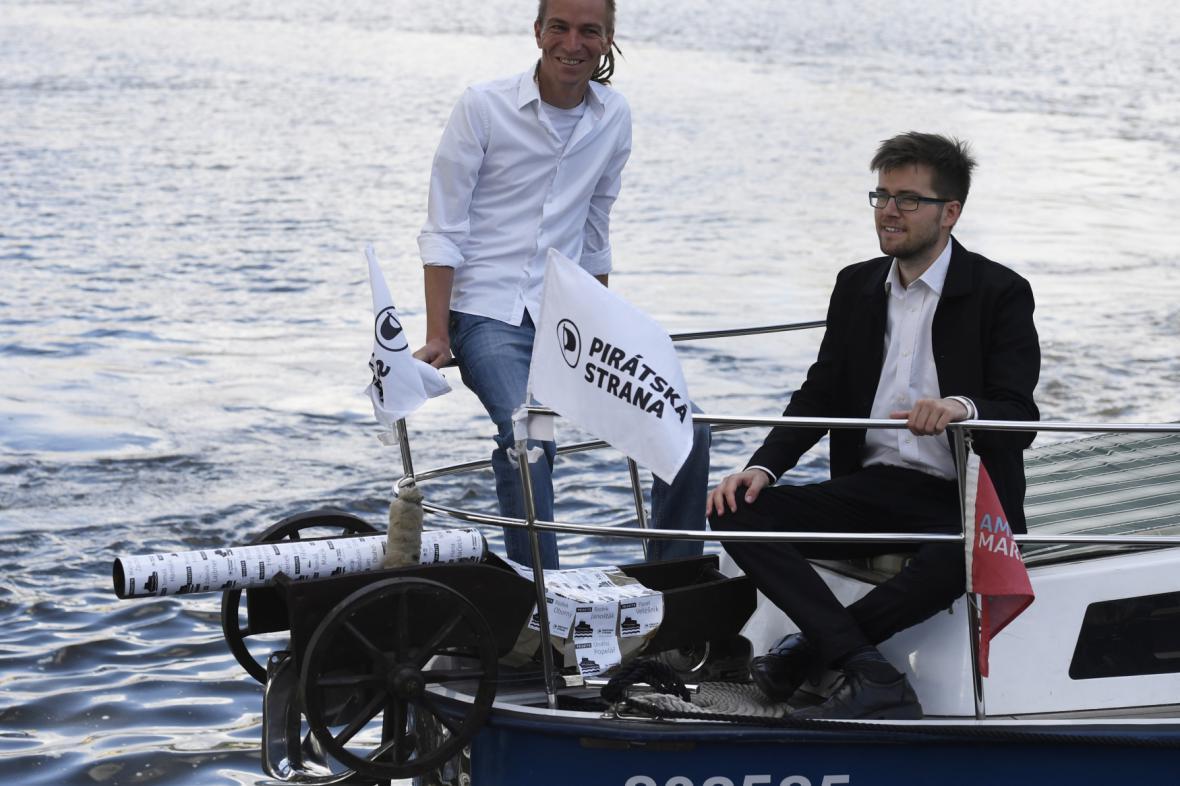 Piráti zahájili předvolební kampaň do sněmovny
