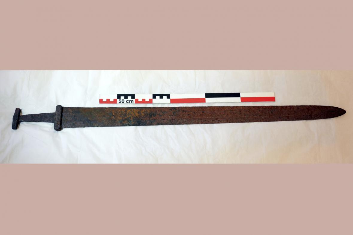 Nalezený vikinský meč