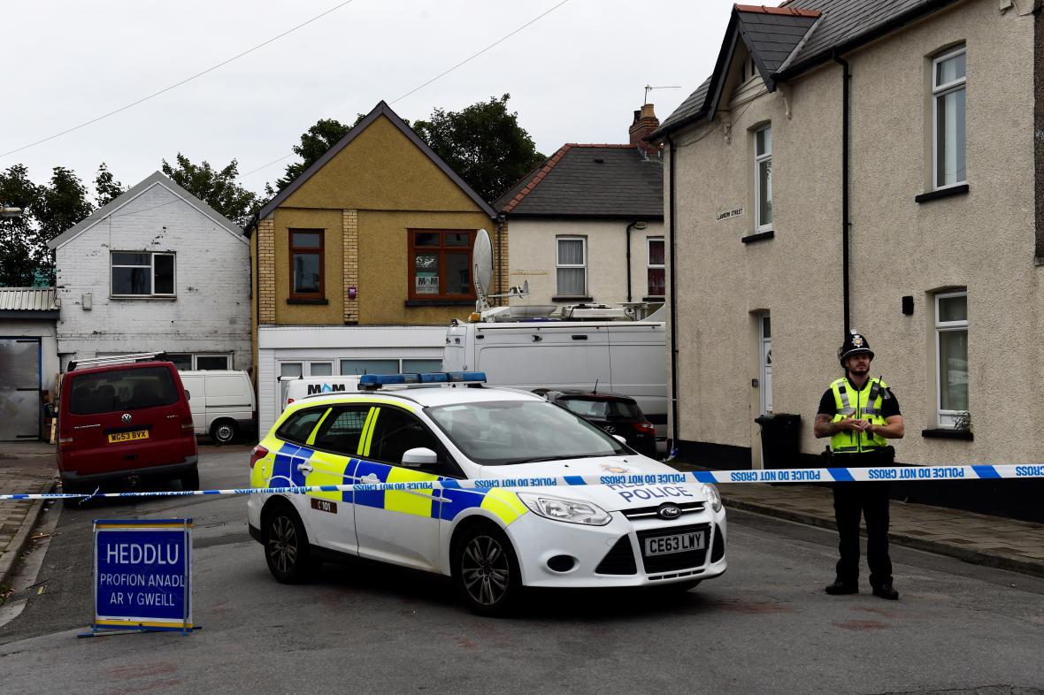 Policie v Newportu, kde zadržela další podezřelé