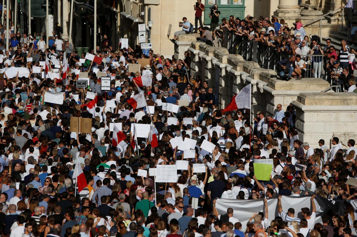 Obyvatelé Malty jsou po vraždě novinářky na nohou