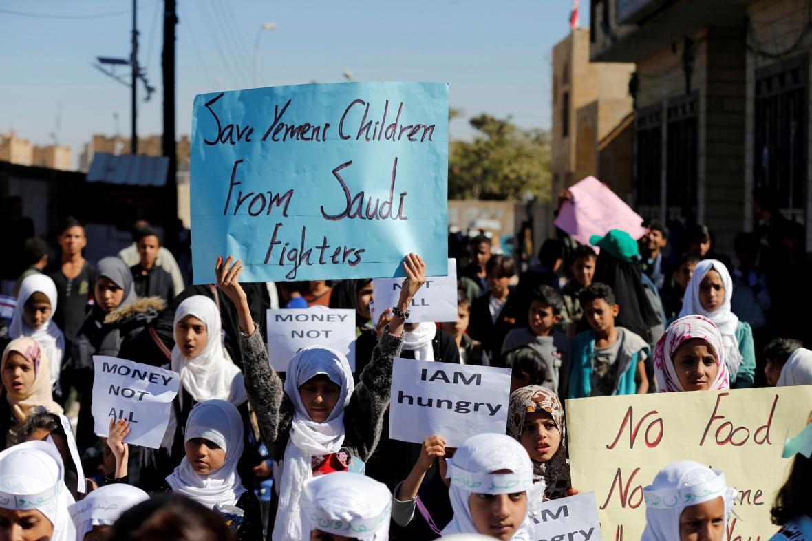 Jemenský protest proti arabské koalici vedené Saúdskou Arábií
