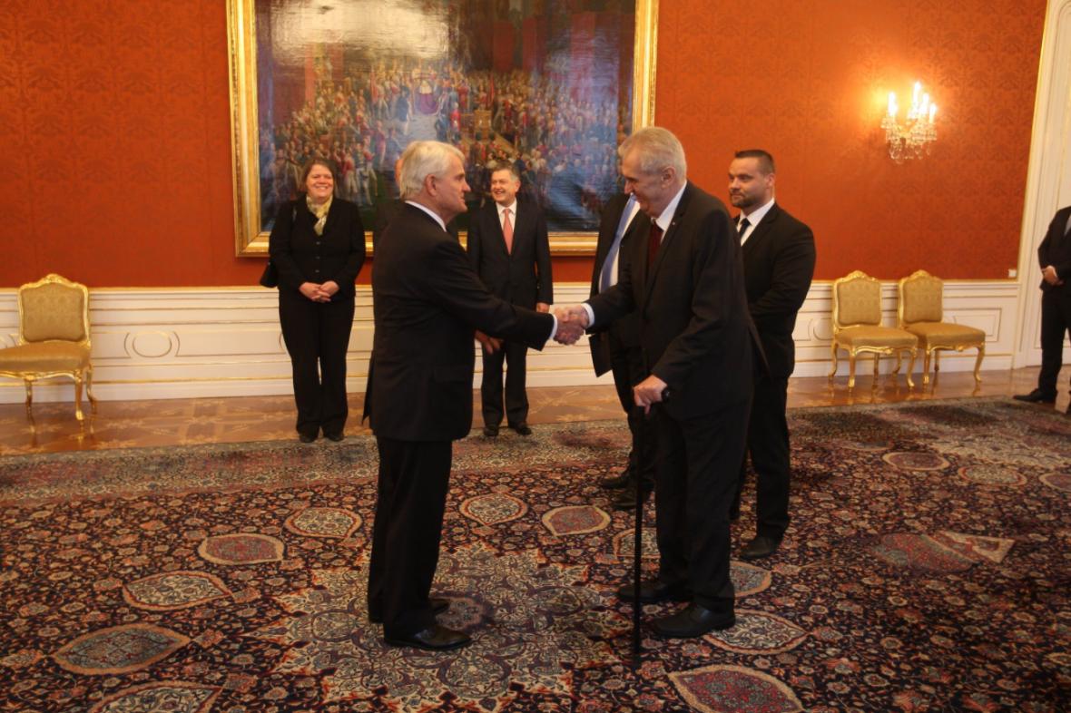 Miloš Zeman s novým velvyslancem USA Stephenem Kingem