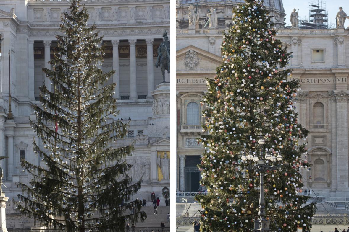 Srovnání vánočních stromů v Římě a ve Vatikánu