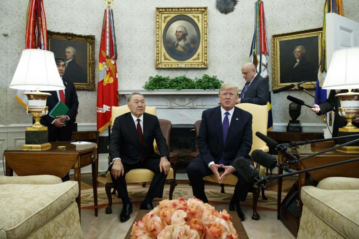 Donald Trump uvítal Nursultana Nazarbajeva v Bílém domě