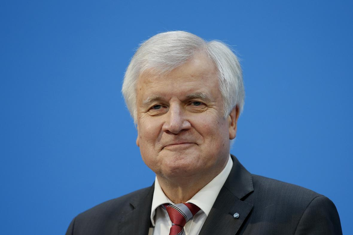 Horst Seehofer je s výslednou podobou dohody spokojen