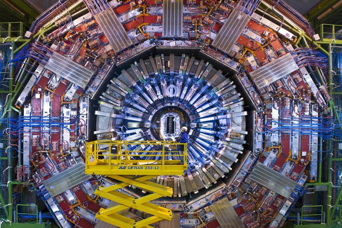 Detektor CMS v CERNu