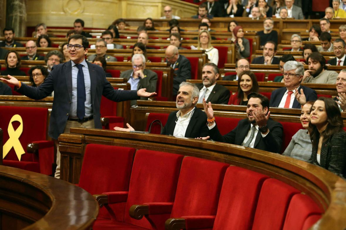 Schůze katalánského parlamentu