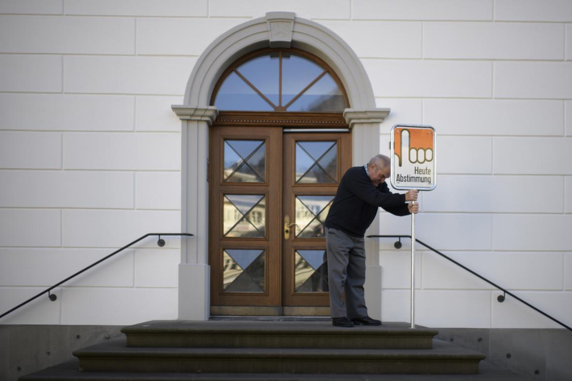 Referendum o koncesionářských poplatcích ve Švýcarsku