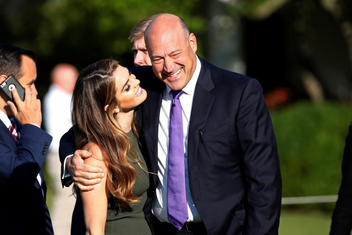 Trumpova bývalá šéfka komunikace Hope Hicksová jeho bývalý poradce Gary Cohn