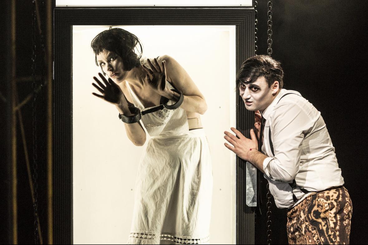 Opera Sternenhoch na prknech Nové scény