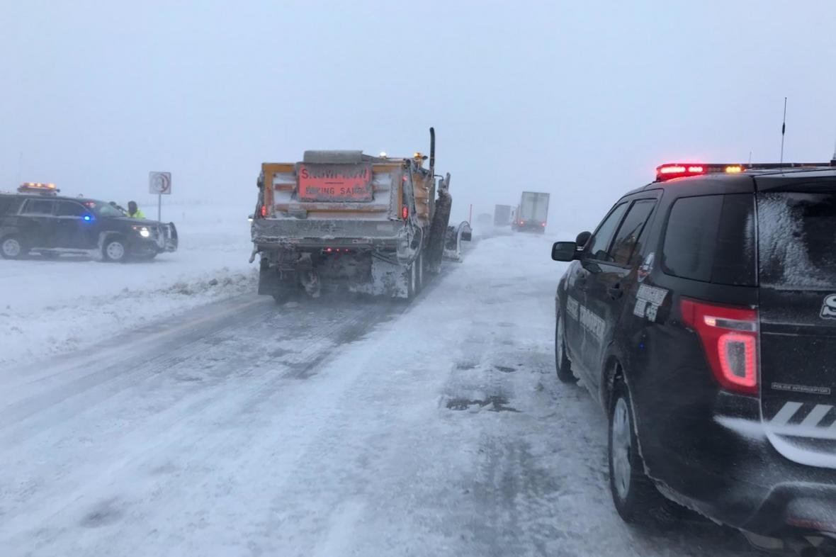 Sněhová bouře zasáhla motoristy v Nebrasce