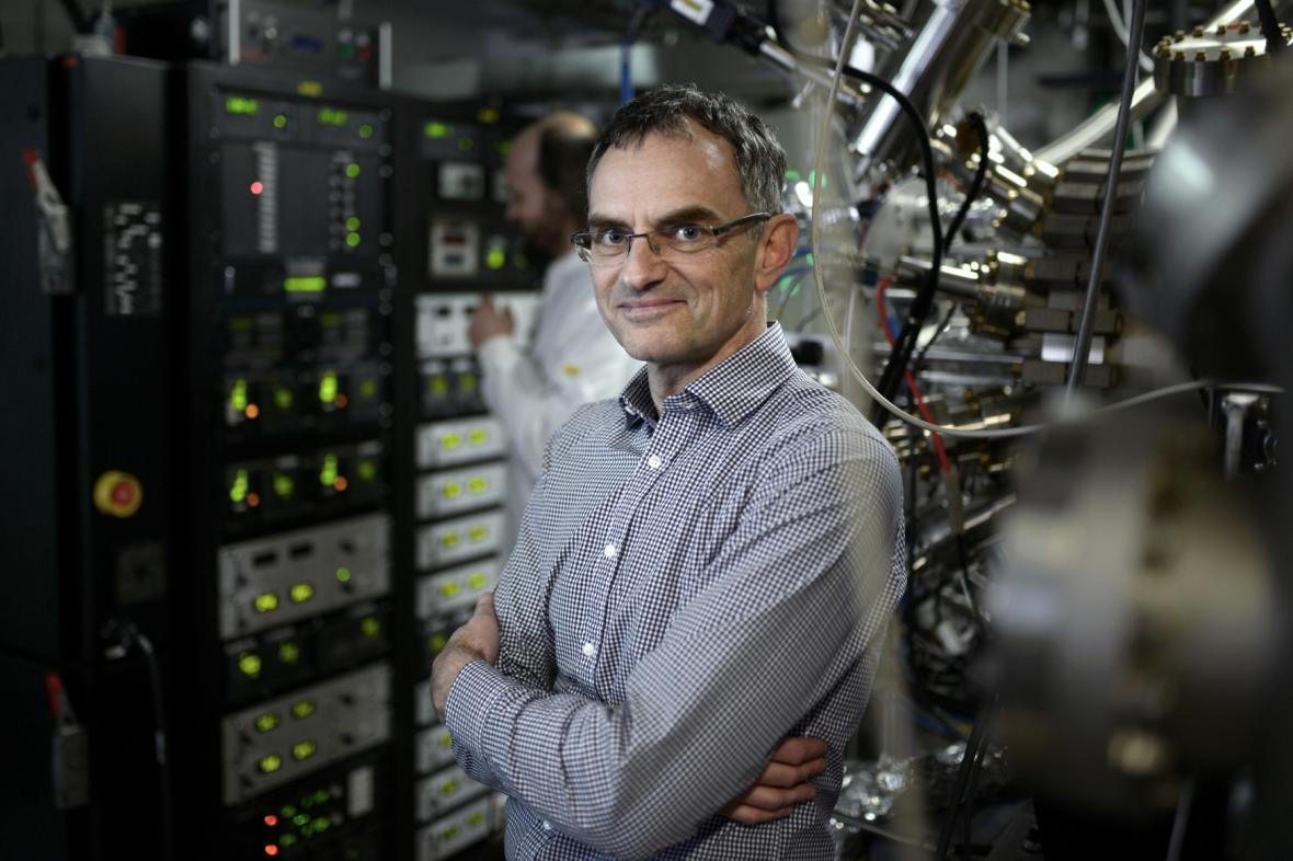 Vedoucí oddělení spintroniky a nanoelektroniky AV ČR Tomáš Jungwirth