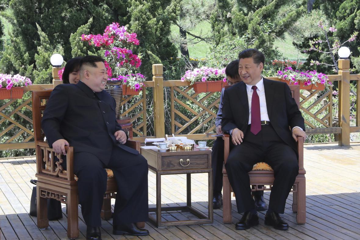 Kim Čong-un se během své druhé návštěvy Číny setkal s prezidentem Si Ťin-pching