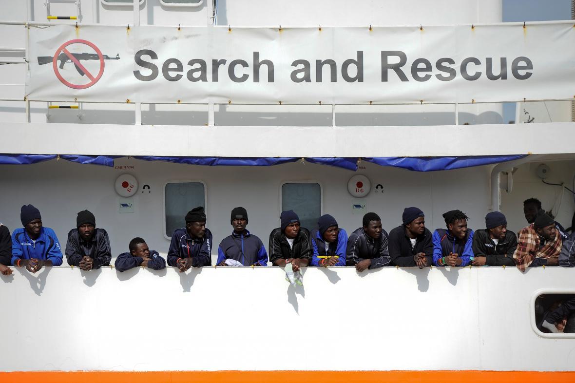 Migranti na palubě lodi Aquarius