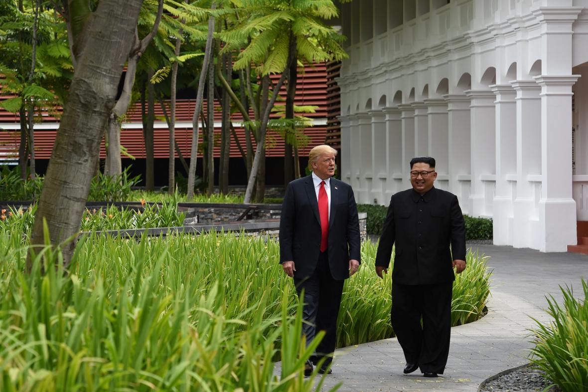 Donald Trump s Kim Čong-unem