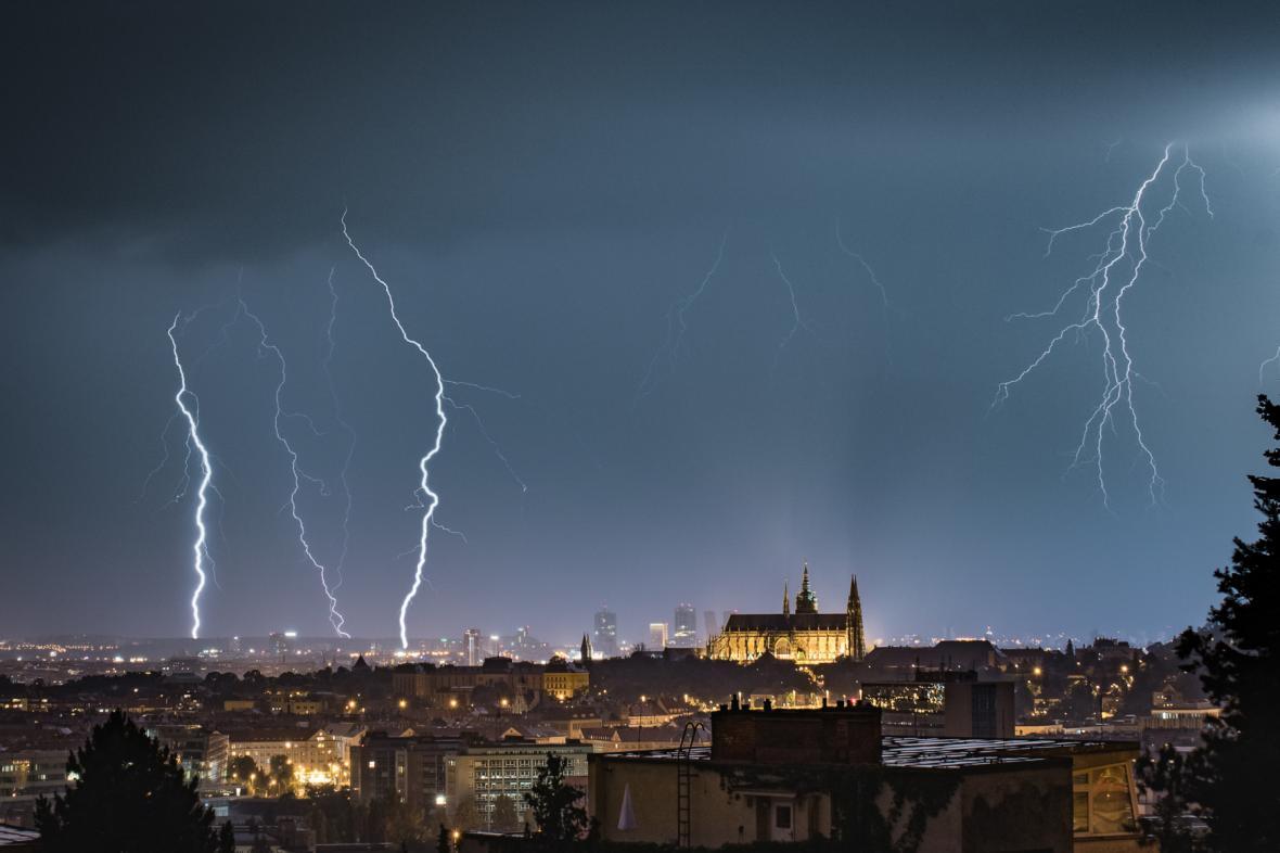 Bouřka v Praze