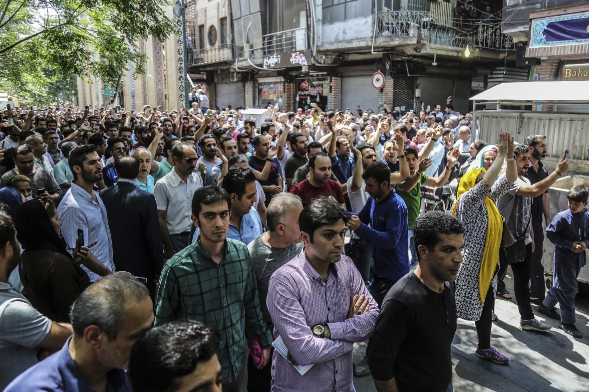 Protivládní demonstrace v Íránu
