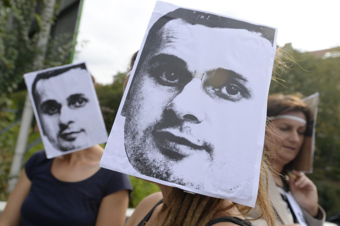 Protest proti věznění Sencova v Praze