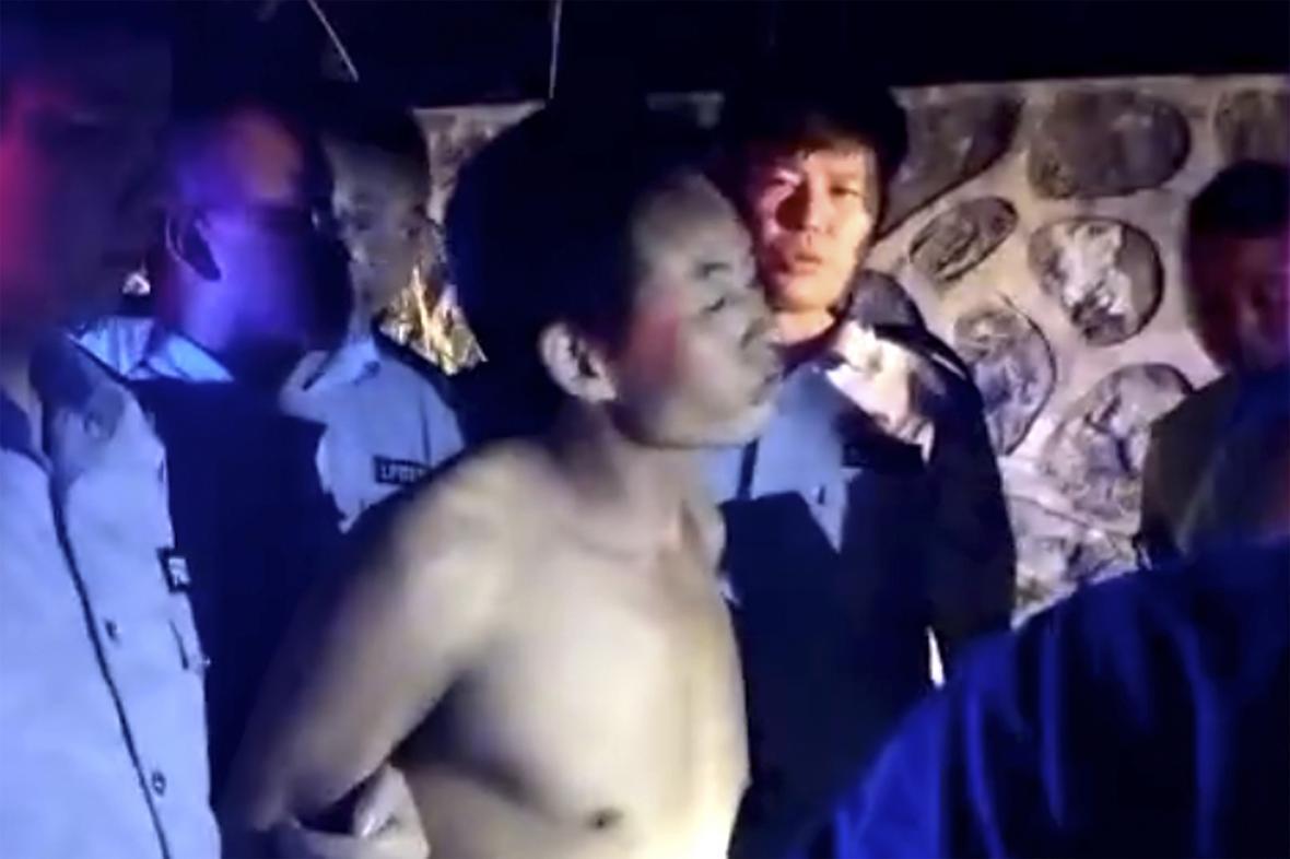 Zadržený řidič, terý najel do davu v Číně