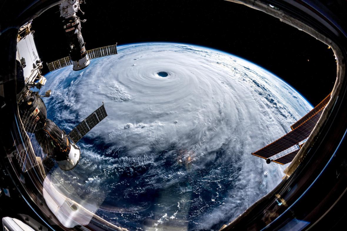 Tajfun Trami (pohled z ISS, 26. 9. 2018)