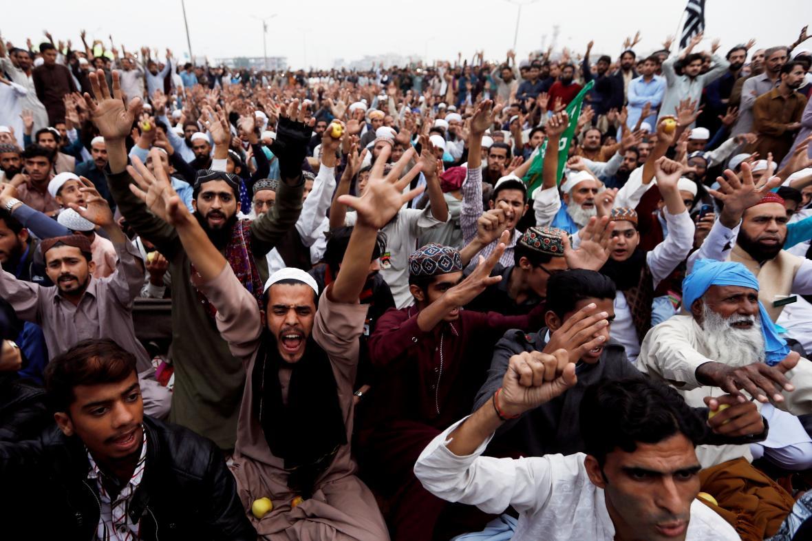 Protesty proti osvobození křesťanky Bibiové v Pákistánu