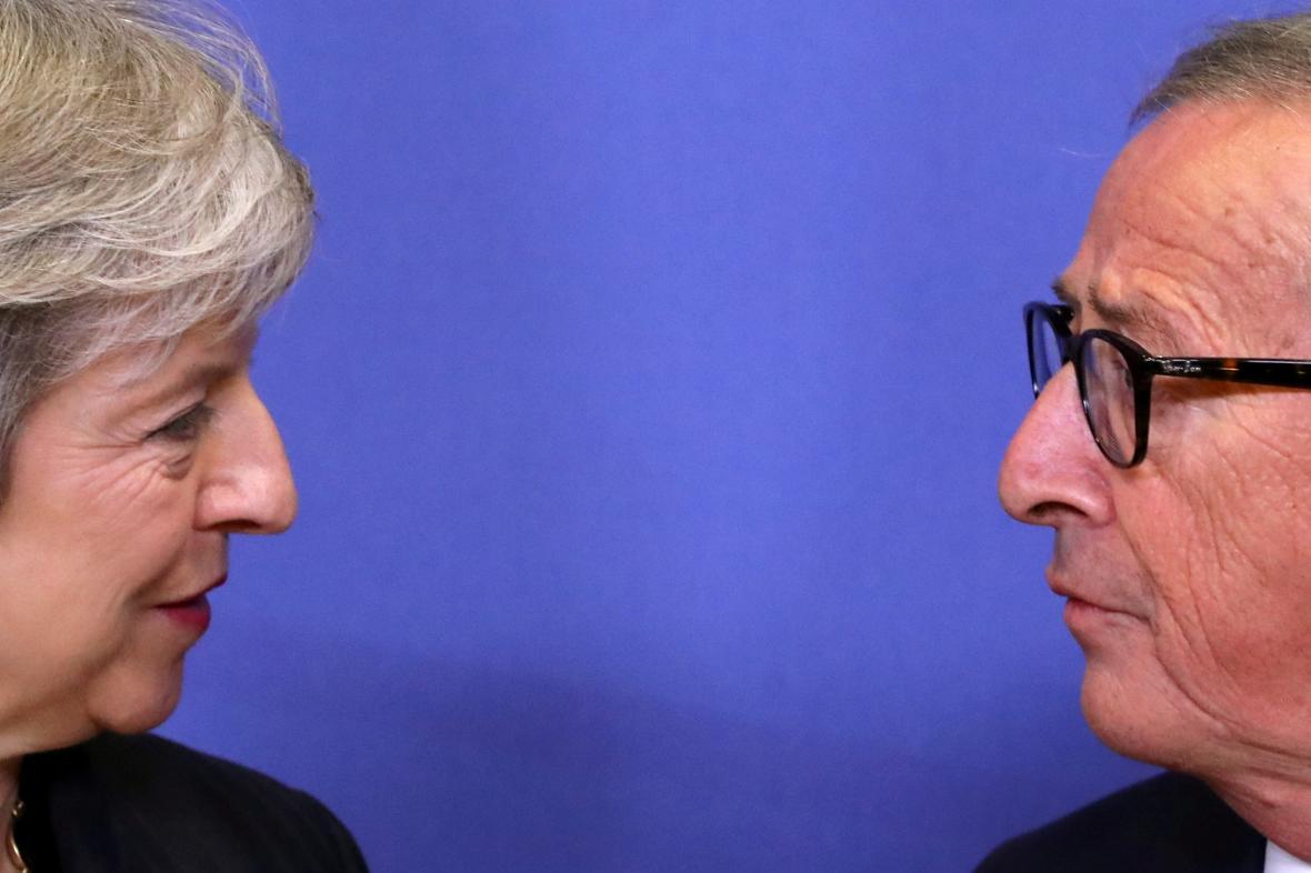 Theresa Mayová a Jean-Claude Juncker