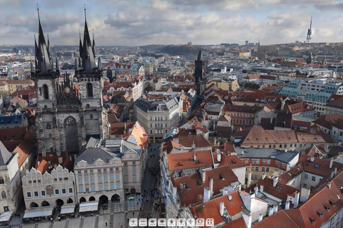 Výsek z panoramatu pořízeného z vršku Staroměstské radnice