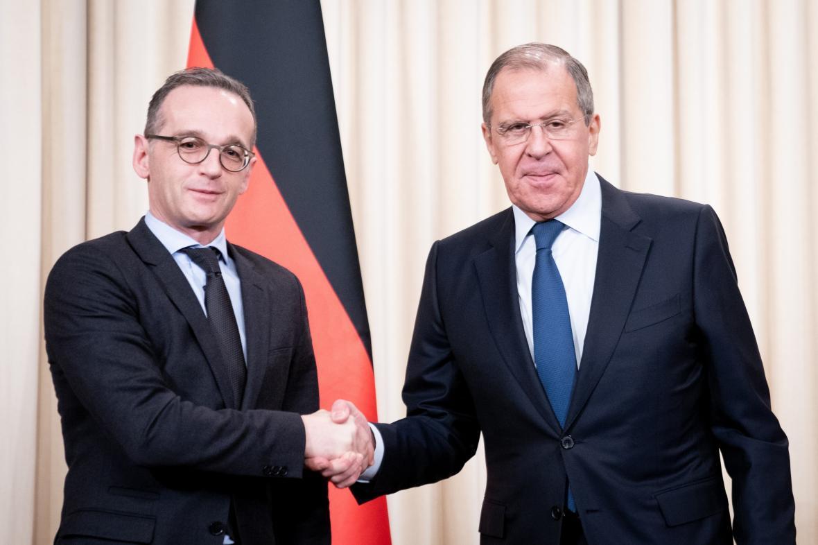 Heiko Mass (vlevo) a Sergej Lavrov