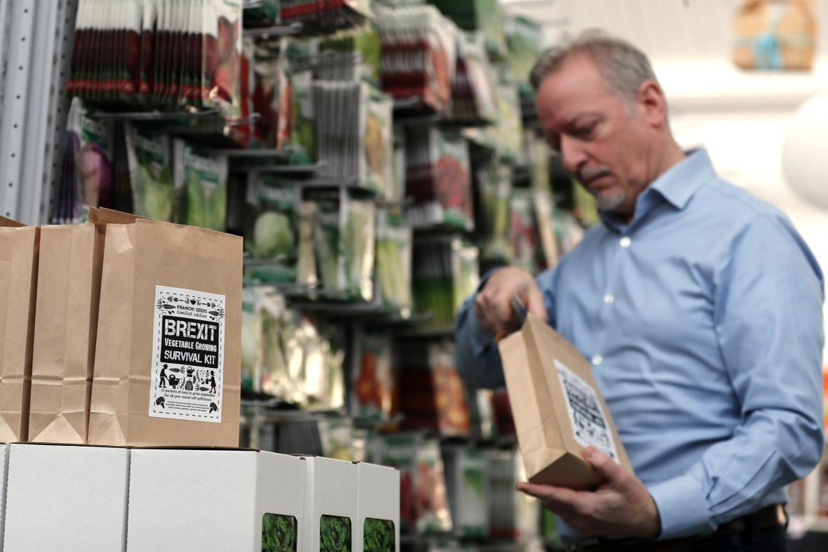 """O balíčky s názvem """"Brexit Vegetable Growing Survival Kit"""", které obsahují semena rychle rostoucí zeleniny, je velký zájem"""