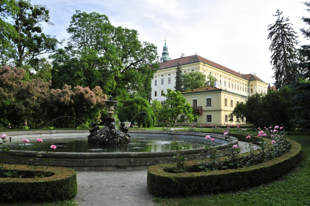 Podzámecká zahrada a zámek v Kroměříži