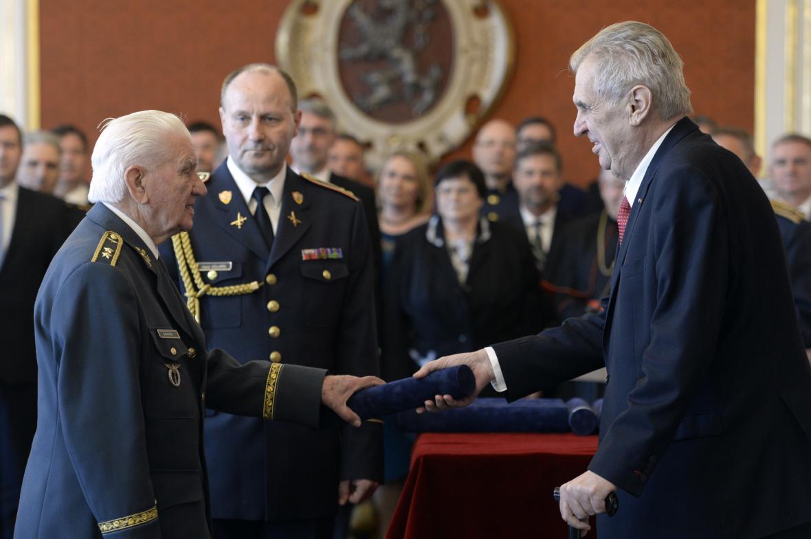 Povýšení Emila Bočka