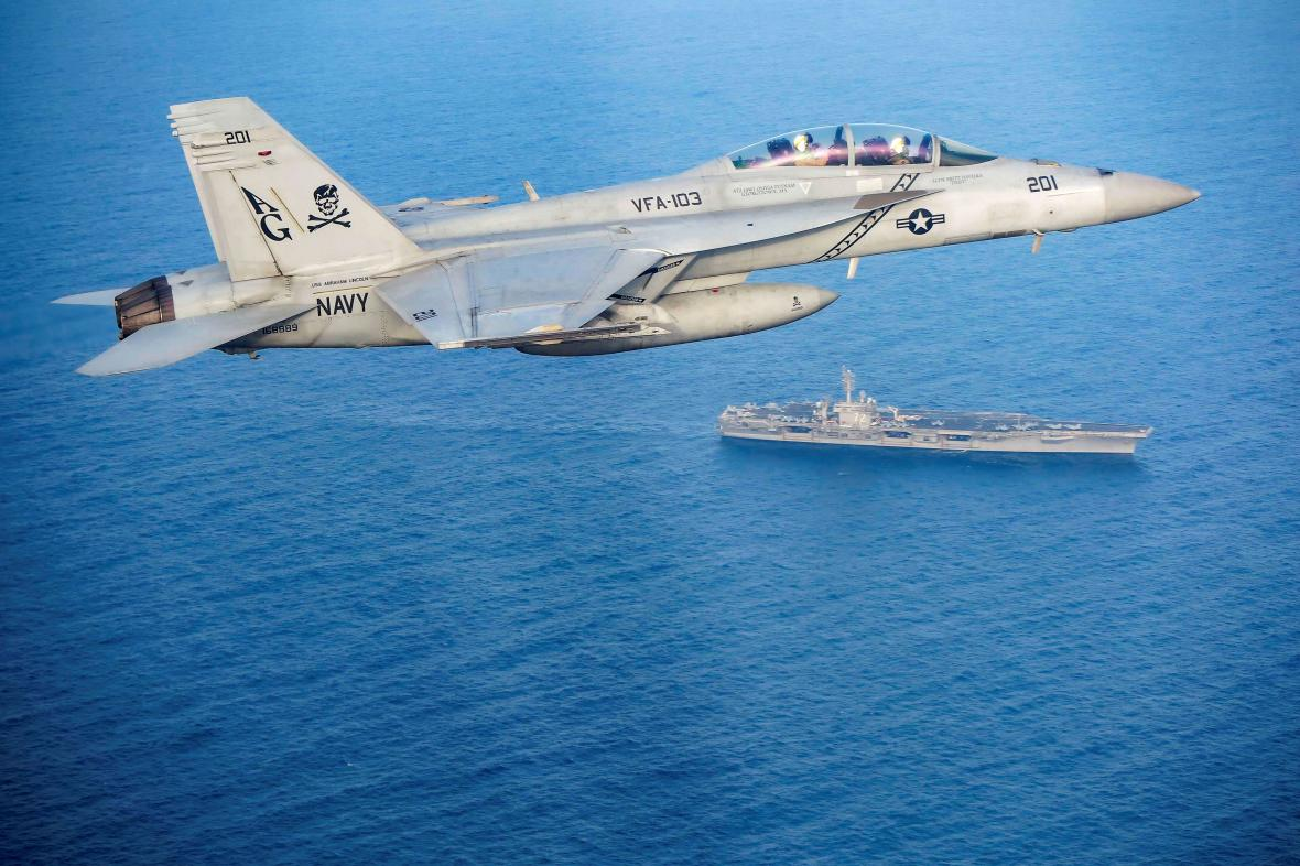 Americké vojenské cvičení v Arabském moři