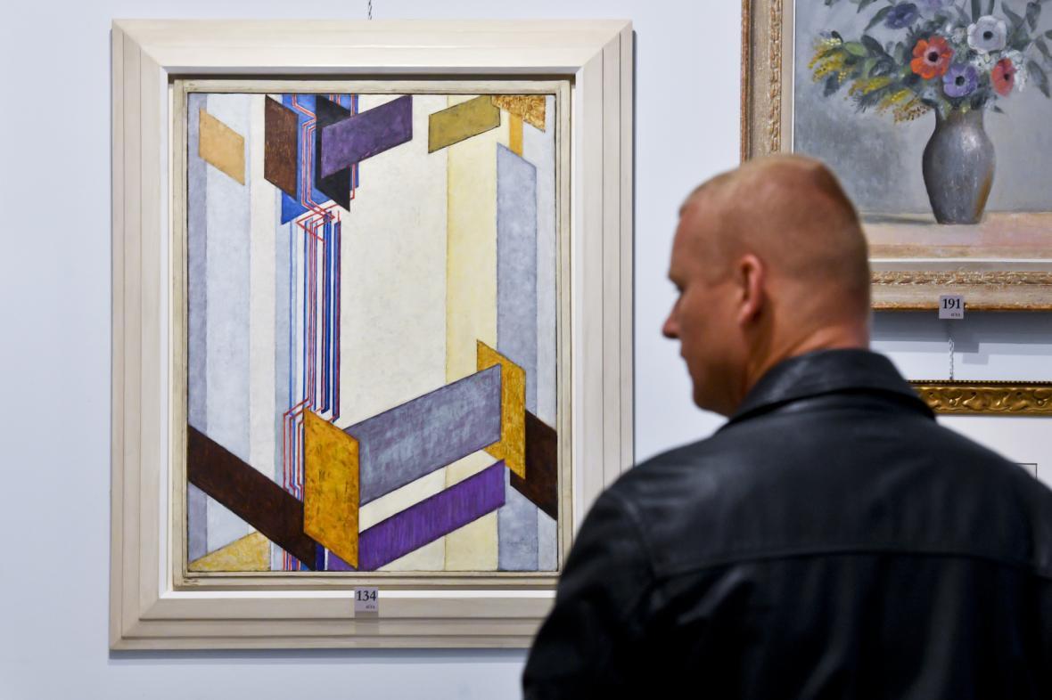 Kupkův obraz Plochy příčné II na předaukční výstavě
