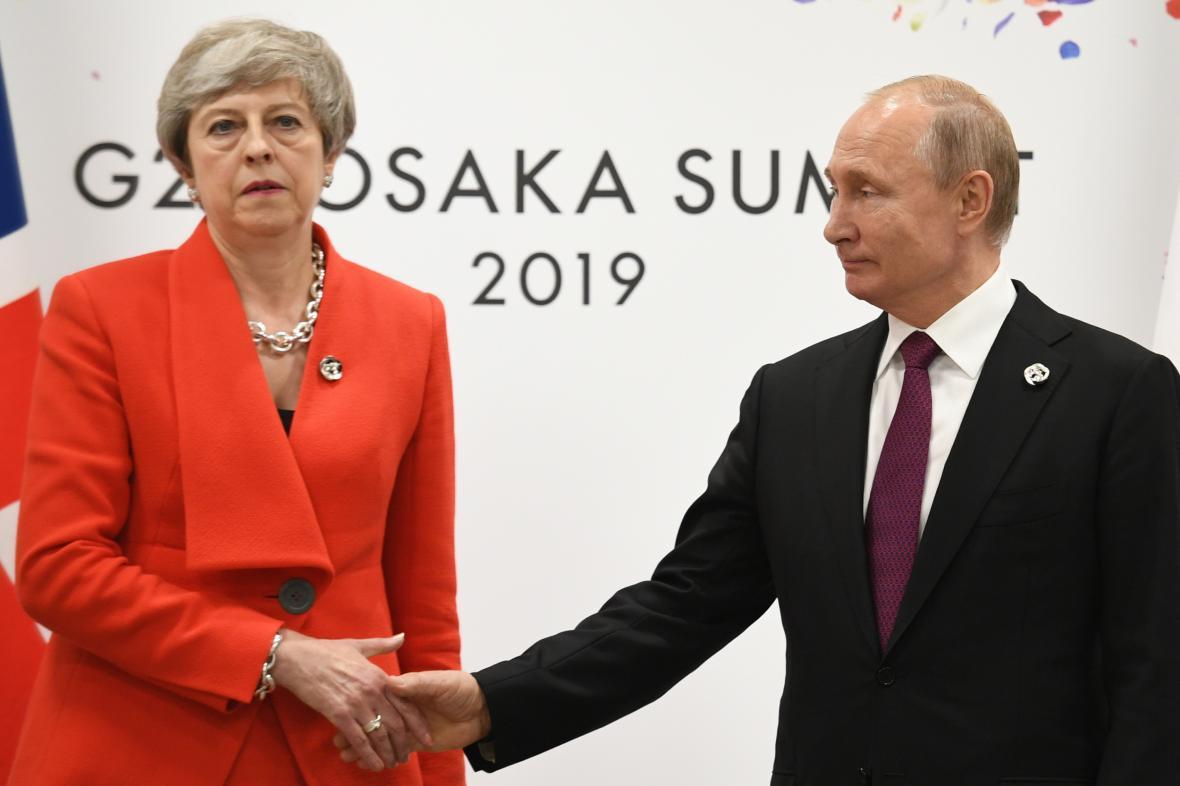 Theresa Mayová a Vladimir Putin na G20