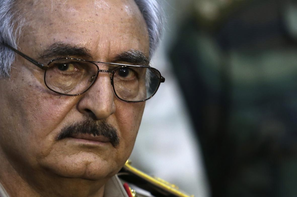 Libyjský vojenský velitel Chalífa Haftar