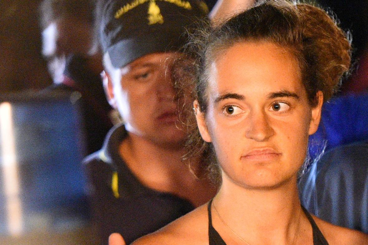 Německá kapitánka lodi Sea-Watch 3 Carola Racketeová