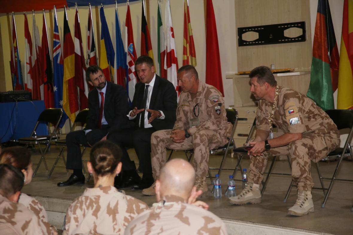 Tomáš Petříček na návštěvě Afghánistánu