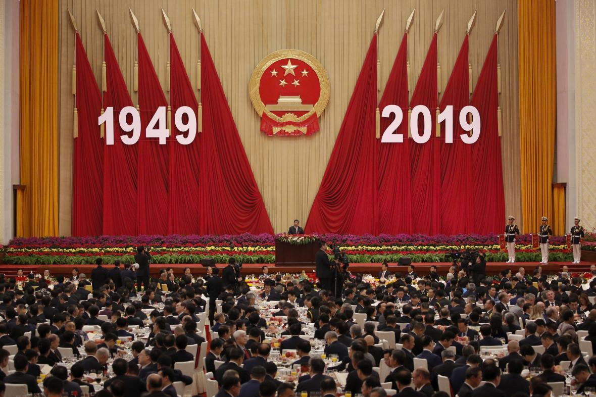 Čína slaví 70 let od začátku komunistické éry