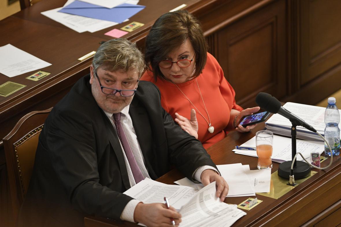 Jednání ve sněmovně