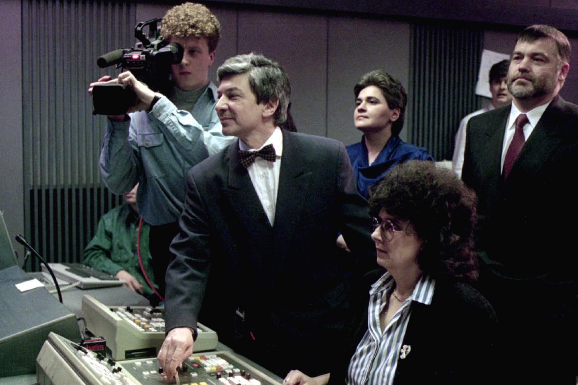 TV Nova spouští vysílání (1994)