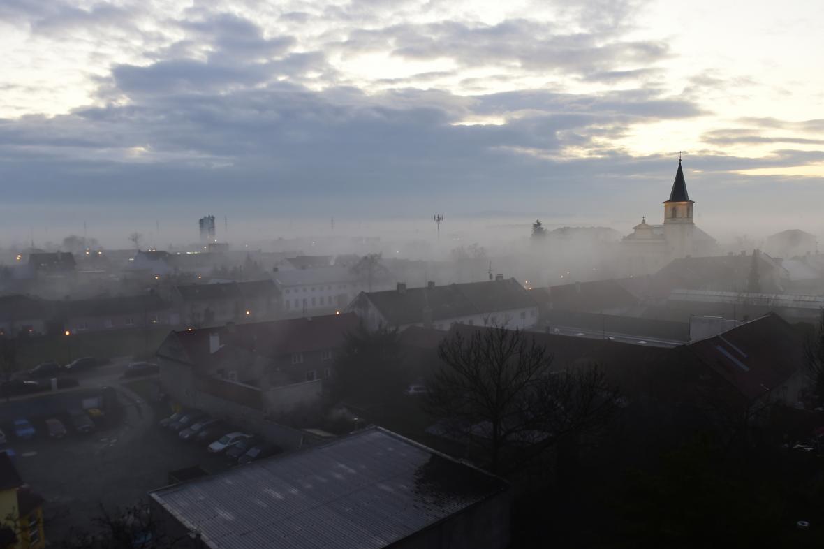 Svítání v Olomouci. Ilustrační foto