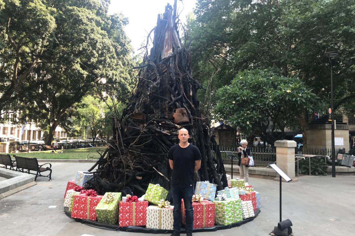 Ohořelý vánoční strom v Sydney