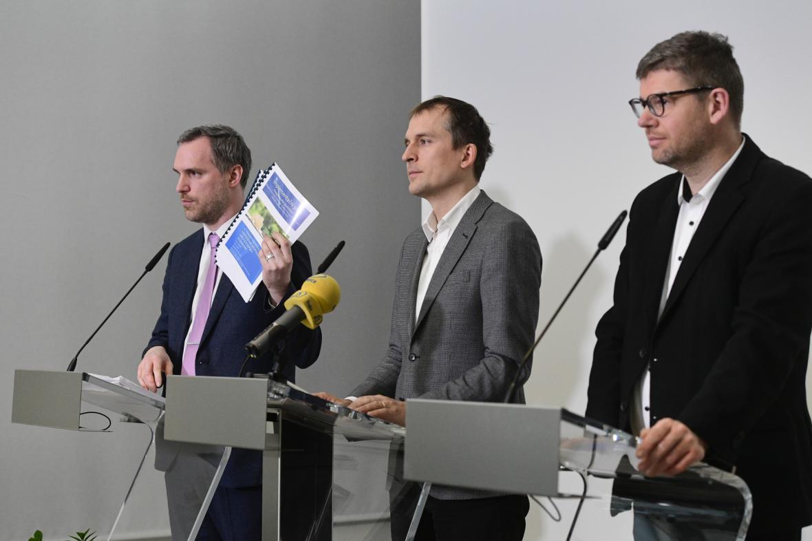 Zdeněk Hřib, Jan Čižinský a Jiří Pospíšil