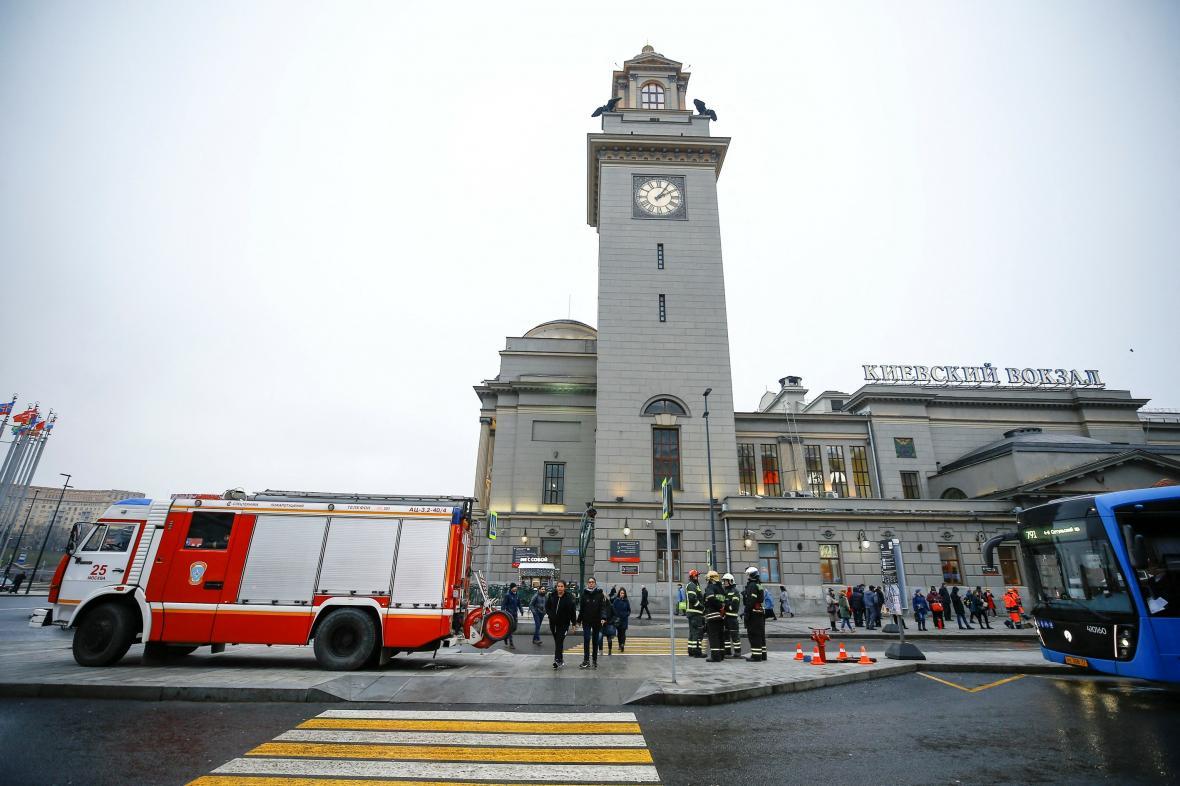 Zásah bezpečnostních složek před Kyjevským nádražím v Moskvě (prosinec 2019)