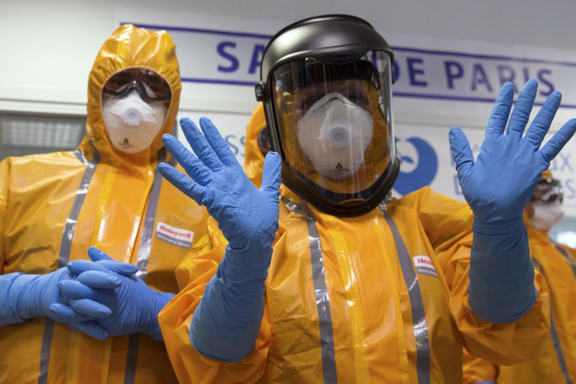Ochranné obleky proti nebezpečným virům