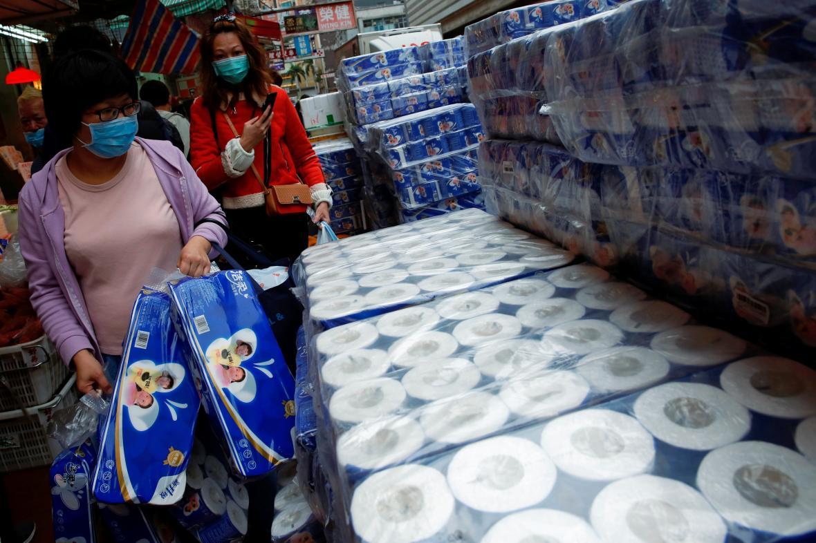 V Hongkongu vzbudil koronavirus nebývalý zájem o toaletní papír