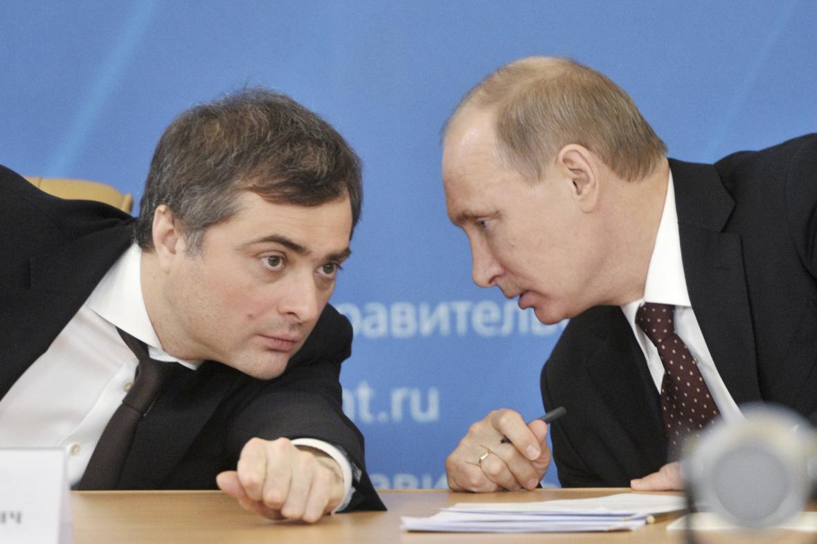 Vladislav Surkov a Vladimir Putin