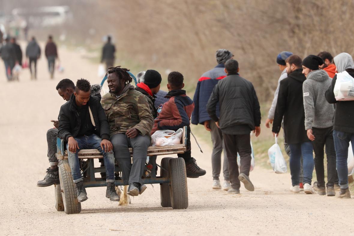 Uprchlíci směřující k řecko-turecké hranici