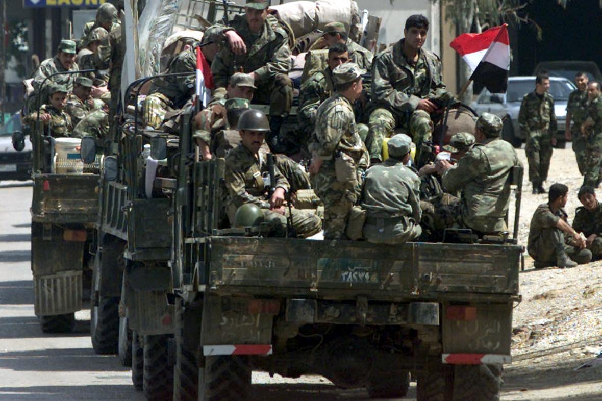 Syrští vojáci působili v Libanonu celé dekády (snímek z roku 2001)