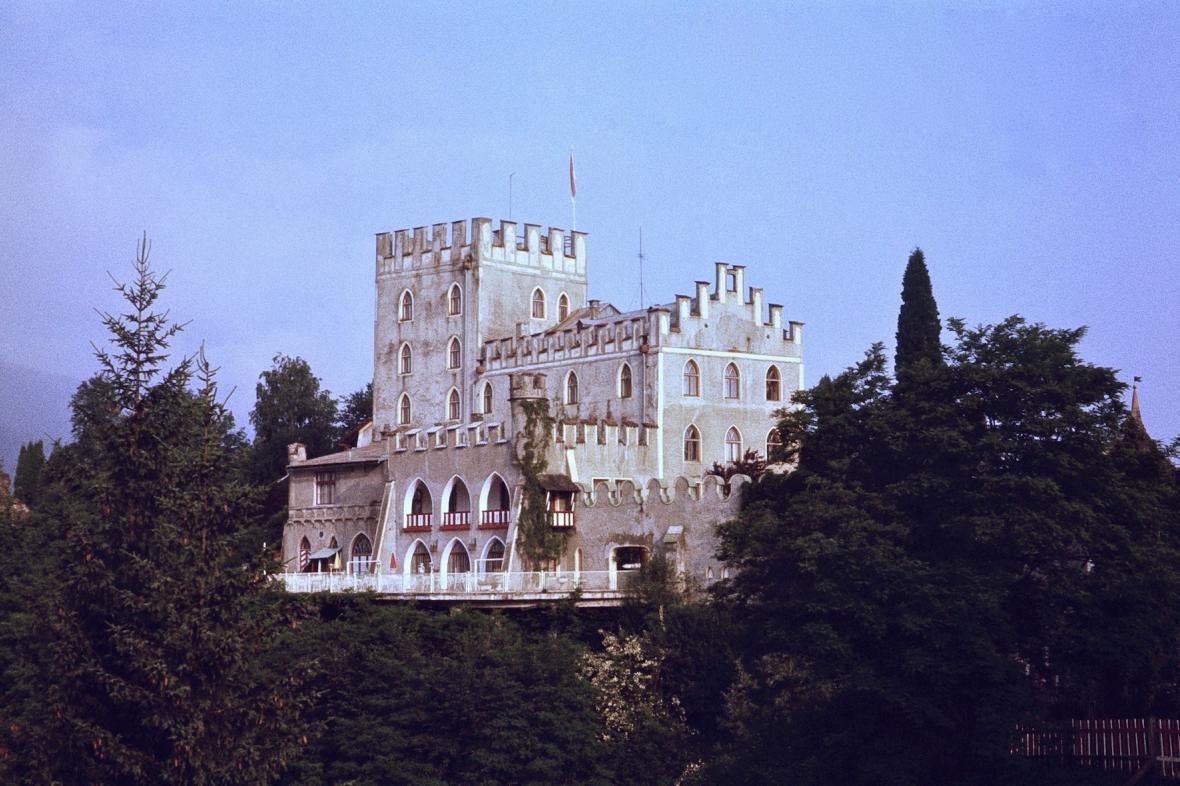 Hrad Itter v rakouských Alpách (na fotce z roku 1979)